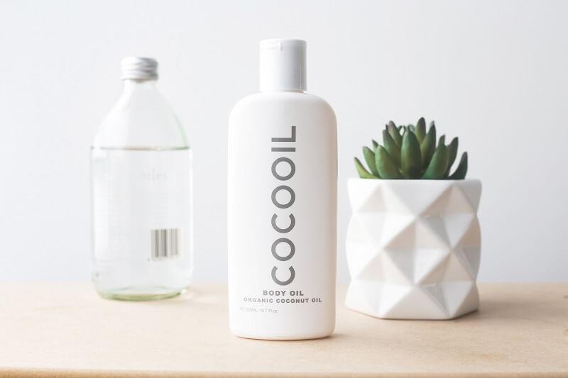 De nombreuses marques ont créé des cosmétiques à base d'huile de coco